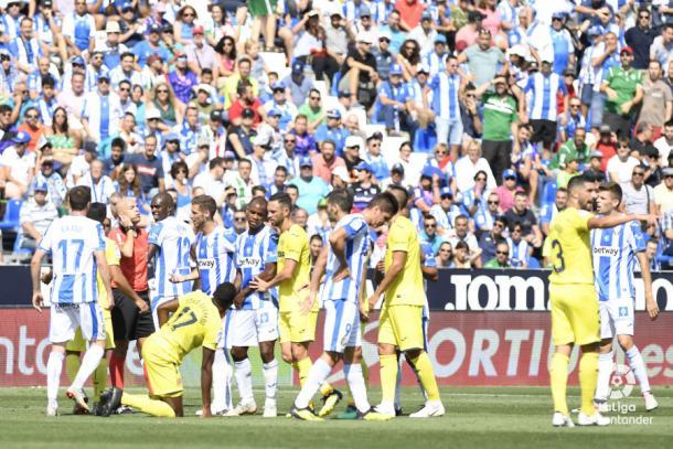 Jugadores del CD Leganés y del Villarreal CF durante el partido de la primera vuelta | Foto: LaLiga Santander