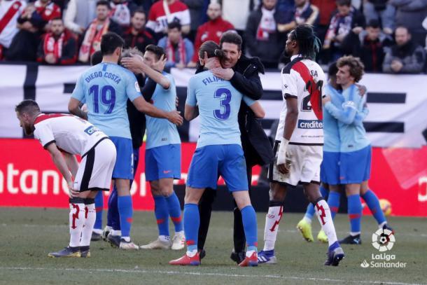 Jugadores del Atlético de Madrid celebrando la victoria   Fotografía: La Liga