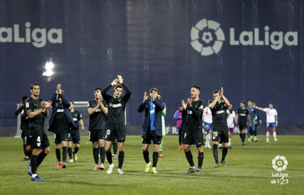 El Málaga celebrando la victoria ante el Rayo.   Foto: LaLiga