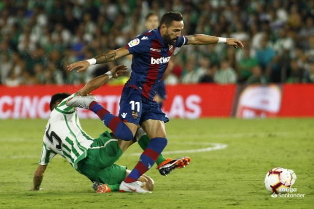 Morales en el partido contra el Betis, donde anotó doblete I Foto: Liga Santander