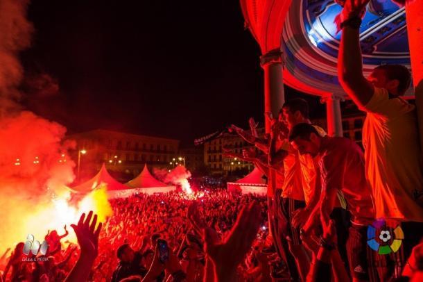 Celebración del ascenso en la Plaza del Castillo. Fotografía: LFP.
