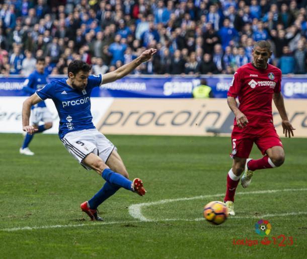 'Cata' Díaz observa a Toché marcar el primer gol del encuentro | LaLiga