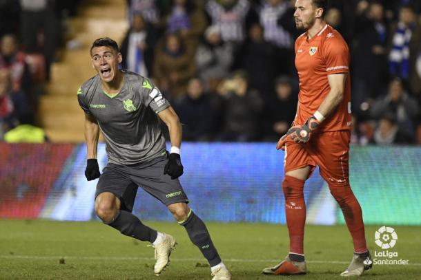 Héctor Moreno celebrando un gol | Fotografía: La Liga