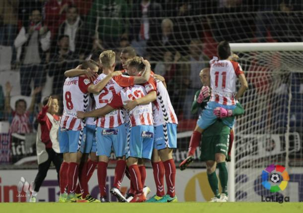Los jugadores del Lugo celebran el triunfo ante el Valladolid | LaLiga