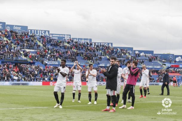Los jugadores del Sevilla tras el encuentro ante el Getafe   Foto: LaLiga Santander