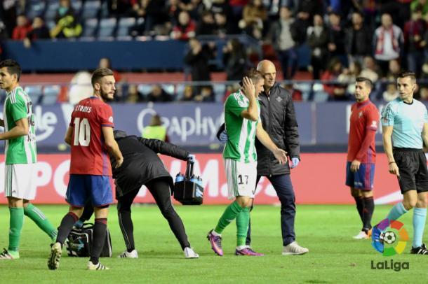 Joaquín tras recibir un golpe | Fotografía: LaLiga