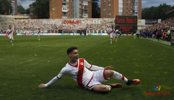 Álex Moreno celebrando el gol del ascenso | Fotografía: La Liga