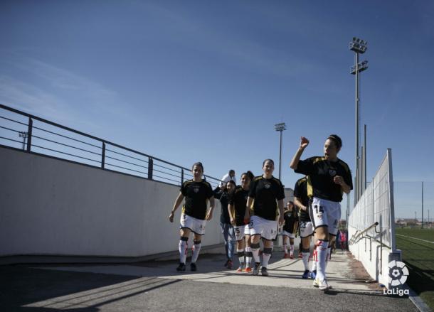 Jugadoras del Rayo Vallecano antes de un partido | Fotografía: La Liga