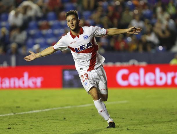 Medrán celebra el segundo gol del partido     Fotografía: La Liga