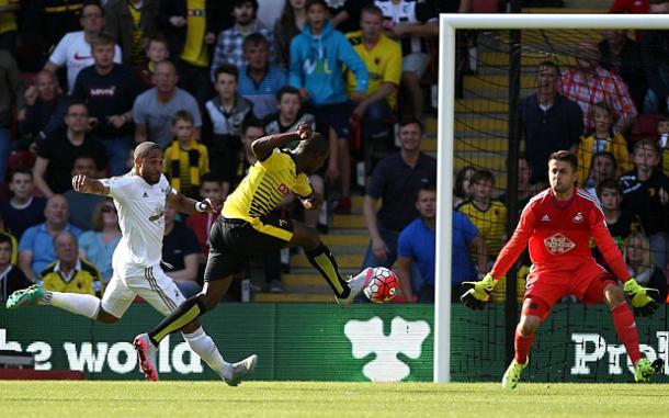 Ighalo batiendo a Fabianski | Foto: Telegraph