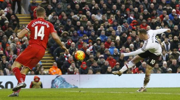 Rooney takes aim against Liverpool | Photo: telegraph.co.uk