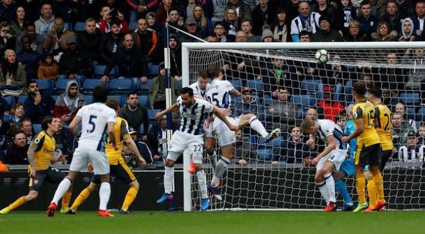 Marcature rivedibili della difesa ospite sul terzo goal, www.theguardian.com