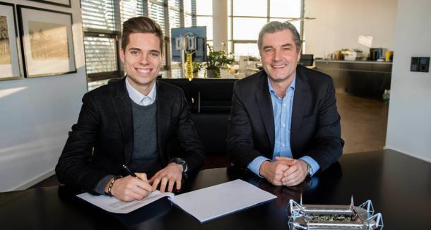 Weigl assinou contrato até junho de 2021 com o Dortmund (Divulgação/Borussia Dortmund)