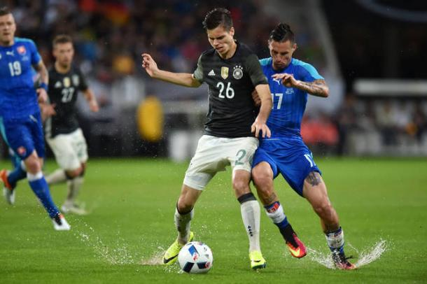 Estreia de Weigl na equipe principal da Seleção Alemã em amistoso contra a Eslováquia (Divulgação/Borussia Dortmund)