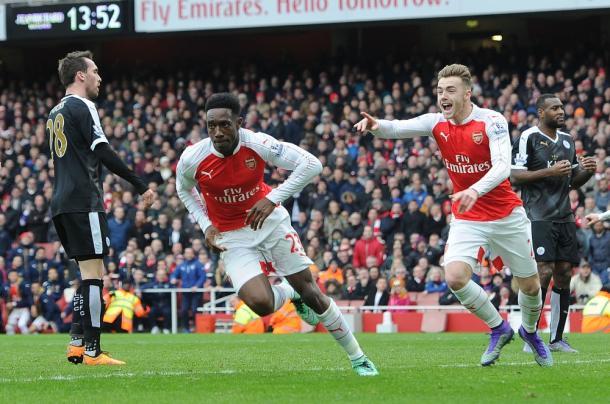 Welbeck celebra el gol ante el Leicester City | Fotografía: Arsenal