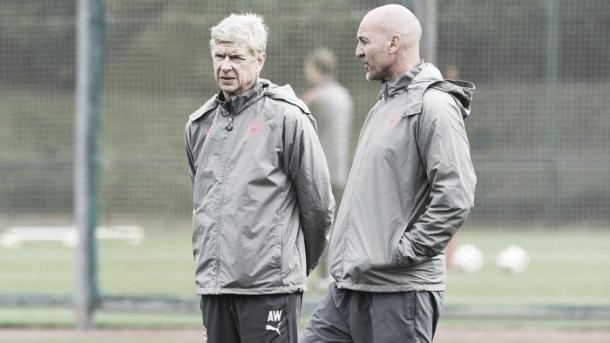 Wenger, en el entrenamiento de preparación del partido. Foto: Arsenal