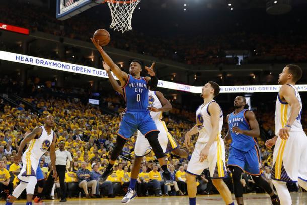 Westbrook attacca il ferro nel finale di gara uno - Photo: NyTimes