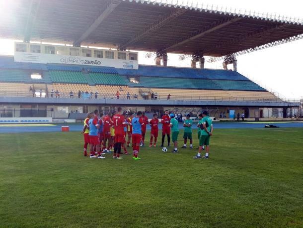 Jogadores bicolores fizeram treino de reconhecimento no palco do duelo (Foto: Divulgação/Paysandu)
