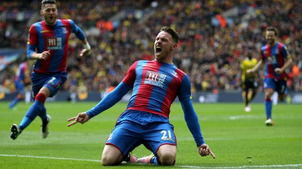 Connor Wickham passionately celebrates his winning goal | thefa.com