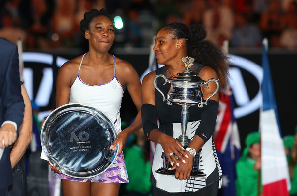 Venus (left) was unable to defeat her sister Serena (right) in the Australian Open final (Photo by Scott Barbour / Getty)