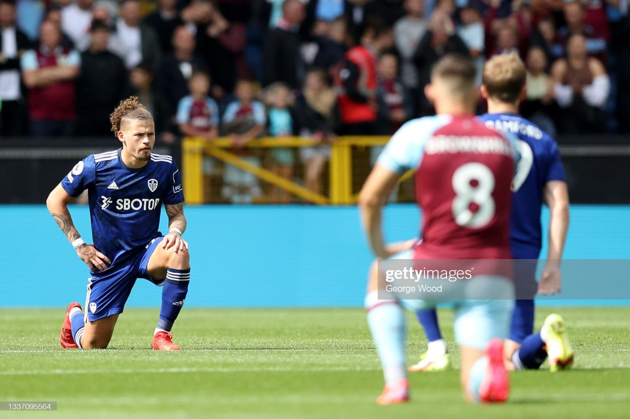 Burnley and Leicester City players take the knee