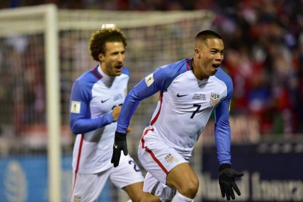 Bobby Wood scores USA goal. | Photo: US Soccer