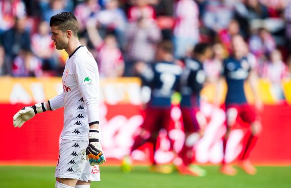 Sporting do goleiro Ivan Cuellar briga para não retornar à segunda divisão após apenas uma temporada na elite (Foto: Juan Manuel Serrano Arce/Getty Images)