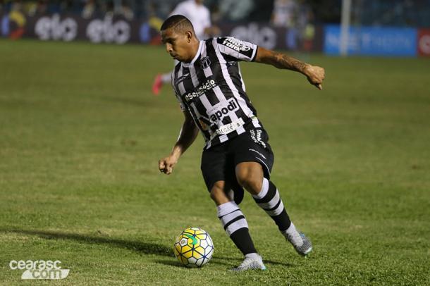 Liderança e bola na rede. É isso que espera-se de Rafael Costa (Foto: Christian Alekson/Ceará SC)