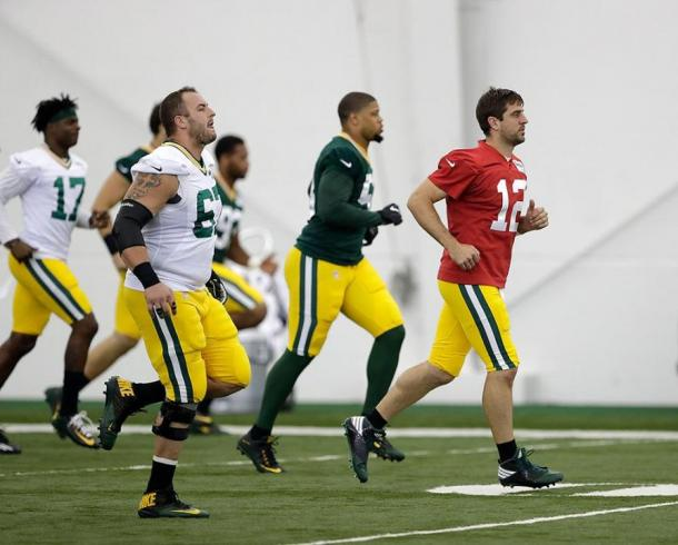 Com retorno de Jordy Nelson, Aaron Rodgers poderá ter mais um ano brilhante | Foto: Divulgação/Packers.com