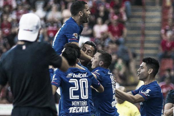 Con victoria inicia el Cruz Azul el Torneo de Liga | Foto: Tribunanoticias