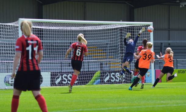 Hannah Cox was instrumental in keeping her side in the match for 90 minutes (Photo credit: Gino D'Andrea)