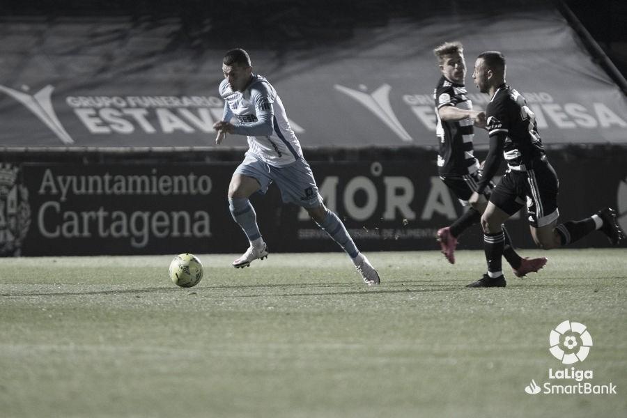 Yanis Rahmani en un intento de velocidad. Foto: LaLiga.