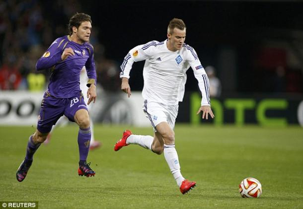 Yarmolenko in action for Dynamo Kiev against Fiorentina. | Photo: Reuters