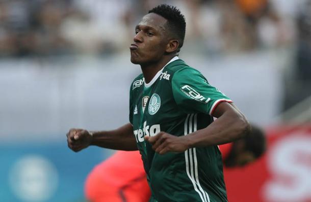 Yerry Mina celebrado un gol con Palmeiras. Foto: SE Palmeiras (Facebook).