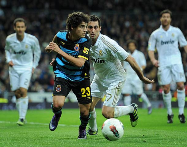 Coutinho em ação pelo Espanyol contra o Real Madrid | Foto: Jasper Juinen/Getty Images