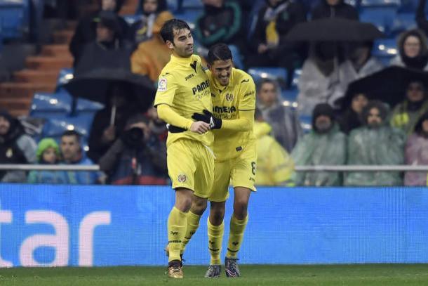 Trigueros e Fornals comemoram gol da vitória | Foto: Gabriel Bouys/AFP/Getty Images