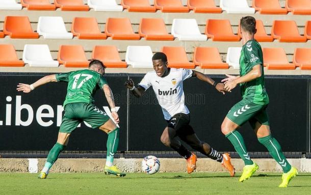 Yunus Musah durante el amistoso ante el CD Castellón | Fuente: Valencia CF