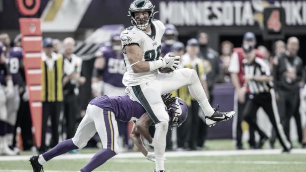 El ala cerrada Zach Ertz debe recuperar el nivel si los Eagles quieren ser competitivos (foto Eagles.com)