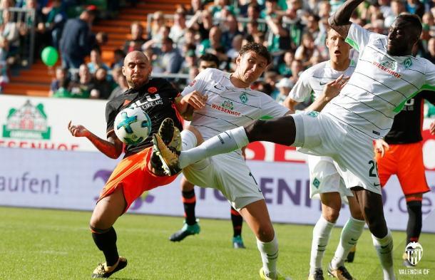 Zaza tiene que asegurar una buena cantidad de goles   Fuente: valenciacf.com