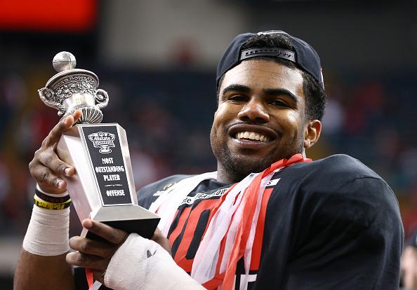 Elliott celebra conquista do Allstate Sugar Bowl de 2015, quando os Buckeyes derrotaram Alabama por 42 a 35 (Foto: Getty Images)