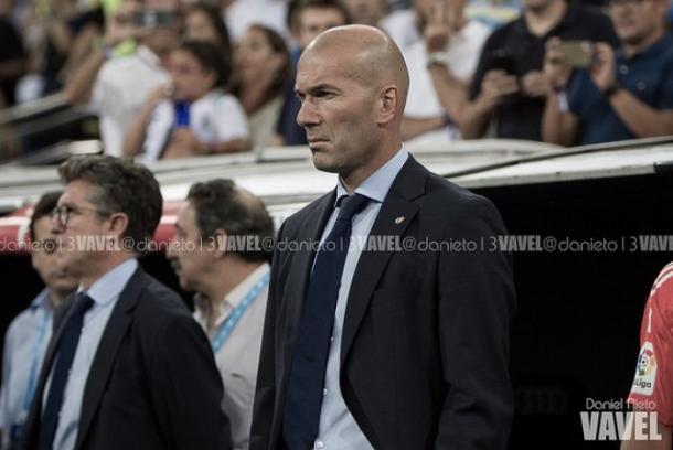 Zidane con gesto serio. Fuente: Dani Nieto VAVEL