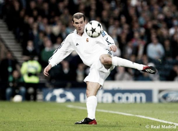 Zinedine Zidane conquista Glasgow tras una gran volea que pasa a la historia | Foto: Real Madrid