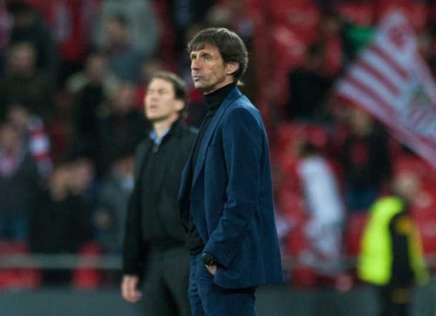 Ziganda con el gesto torcido durante la derrota ante el Marsella / Athletic Club