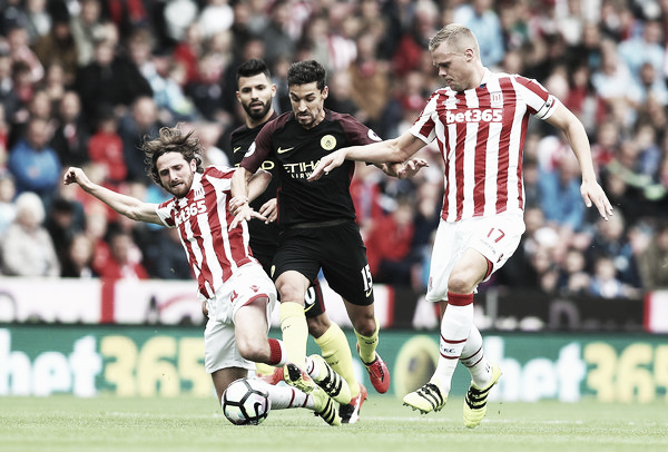 Joe Allen put in a solid performance yesterday on his home debut for Stoke. Photo: Zimbio.