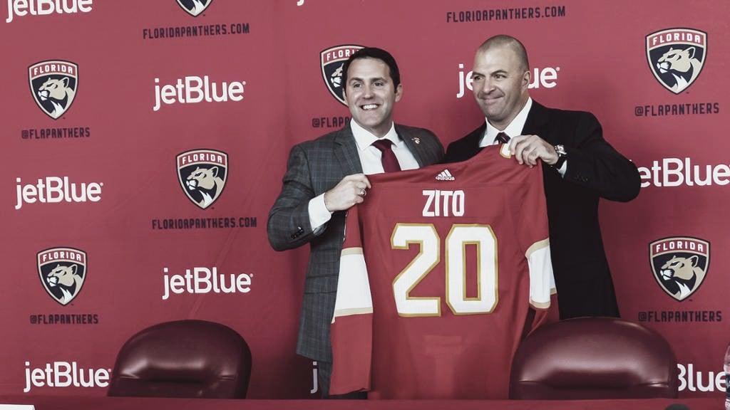 Bill Zito (der) el día de su presentación | foto: NHL.com