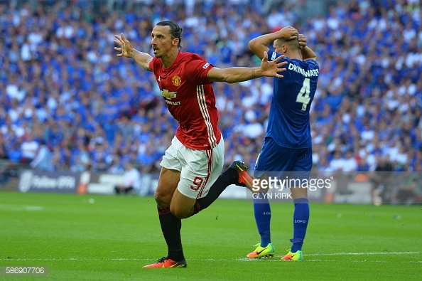 Zlatan Ibrahimovic's late header defeated Leicester City at Wembley | Photo: Getty