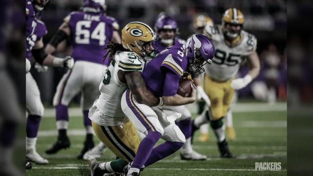 Z.Smith deberá meterle mucha presion a Wilson si quieren llevarse la victoria (foto Packers.com)