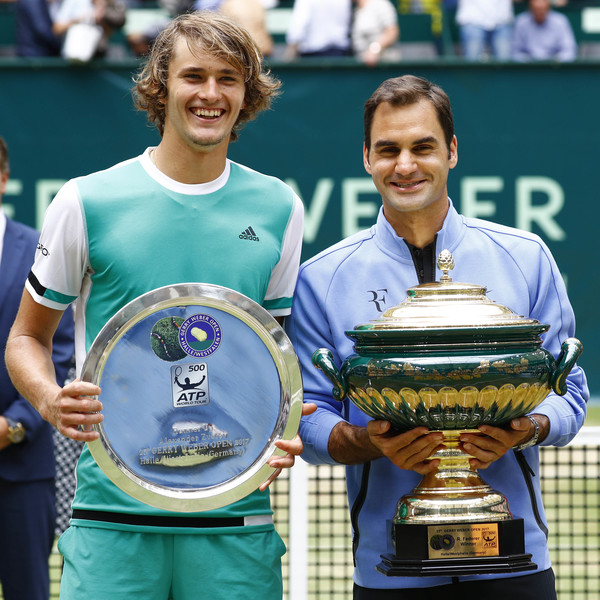 Federer (right) gained his revenge against Zverev (left) after the lanky German defeated him in the semifinals last year (Photo by Joachim Sielski / Bongarts