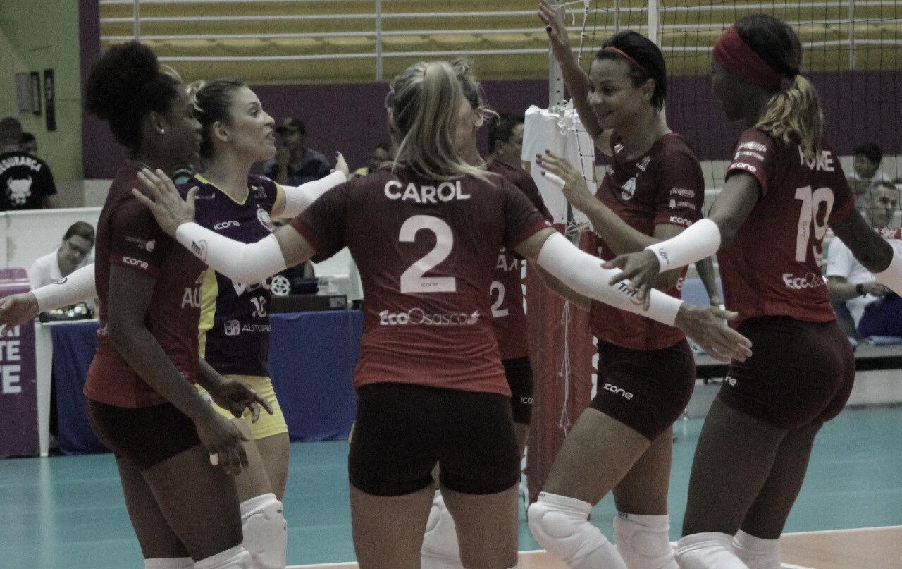 Osasco vira para cima do Barueri e chega na semifinal da Copa Brasil