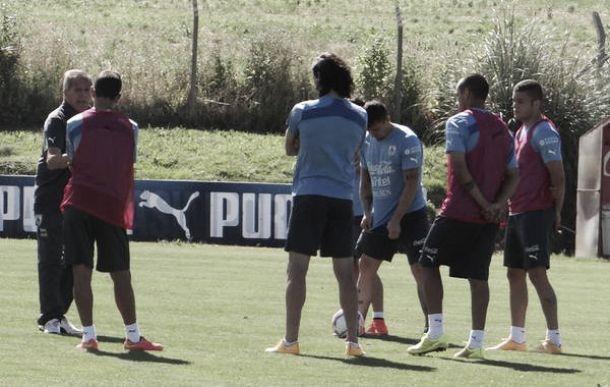 Uruguay: Equipo confirmado sin Suárez ante Chile